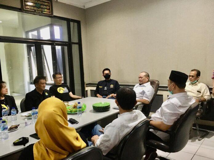 Ketua DPD RI LaNyalla bertemu dengan pelaku broker properti Jawa Timur di Graha Kadin Jatim
