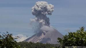 Gunung Api Sinabung di Kabupaten Karo, Sumatera Utara (Sumut), terus menunjukkan aktivitasnya